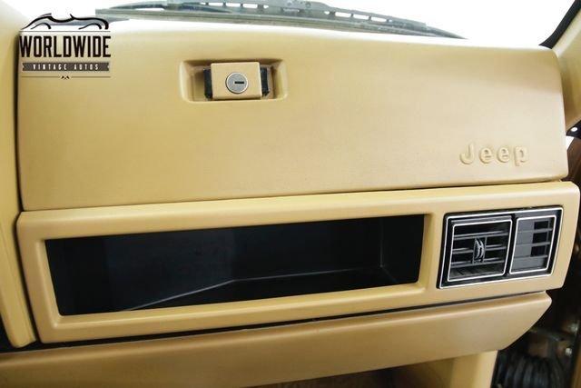 1985 Jeep Wagoneer