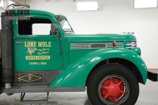 1946 Diamond T Truck