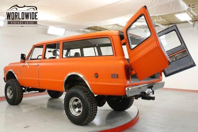 1971 GMC Suburban