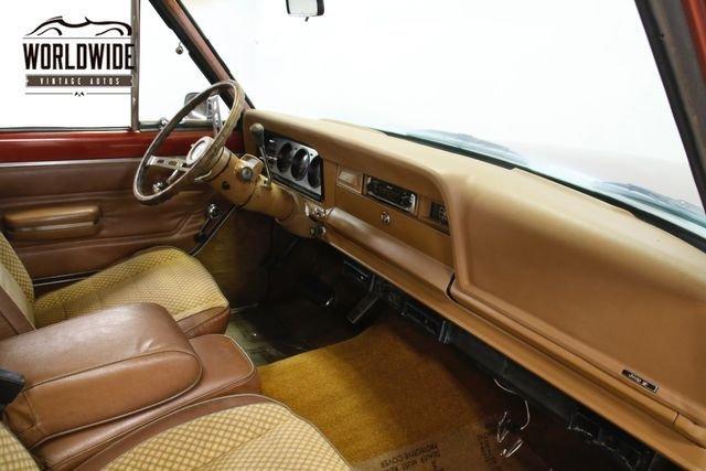 1977 Jeep Wagoneer
