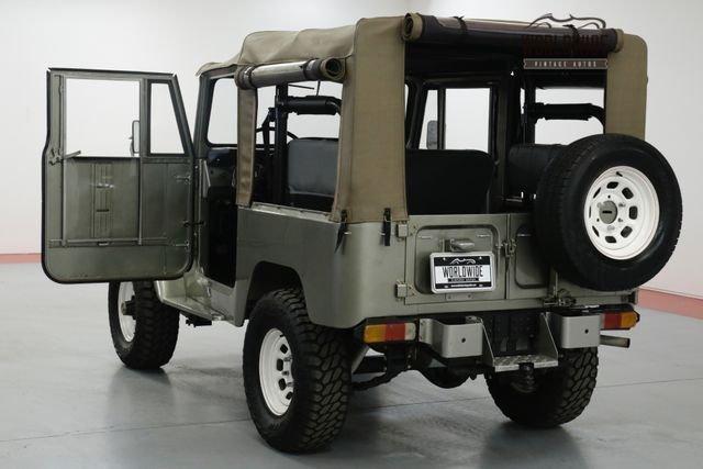 1974 Toytoa Land Cruiser