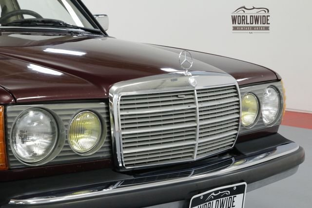 1975 Mercedes-Benz 300D