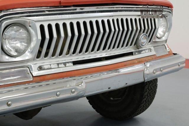 1972 Jeep J4000