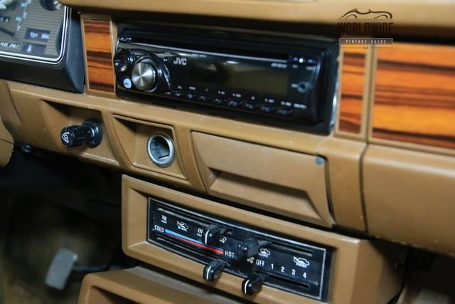1985 Nissan King Cab Deluxe