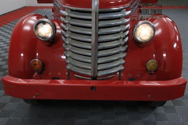 1948 Diamond T 100