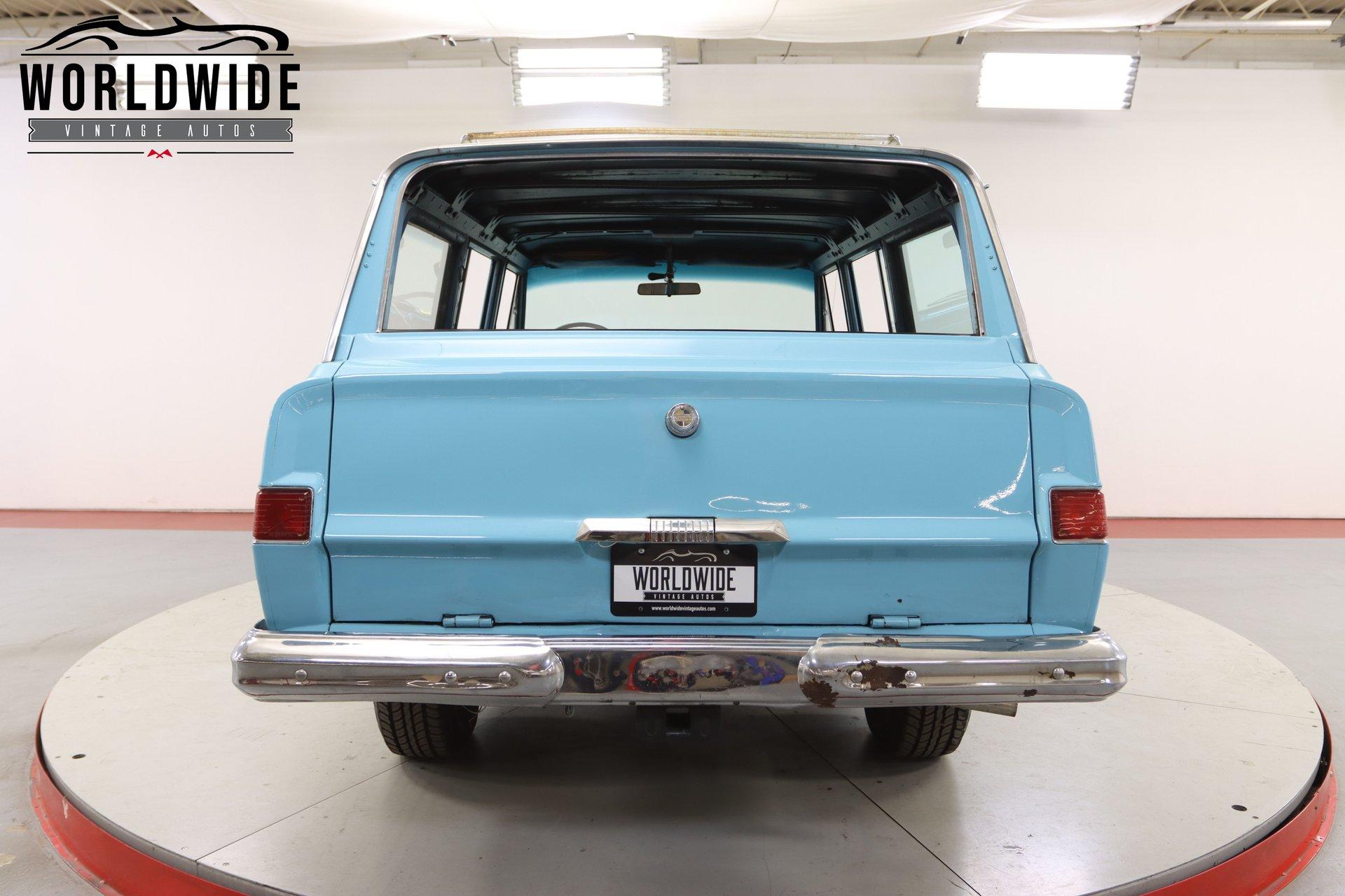 1965 Jeep Wagoneer