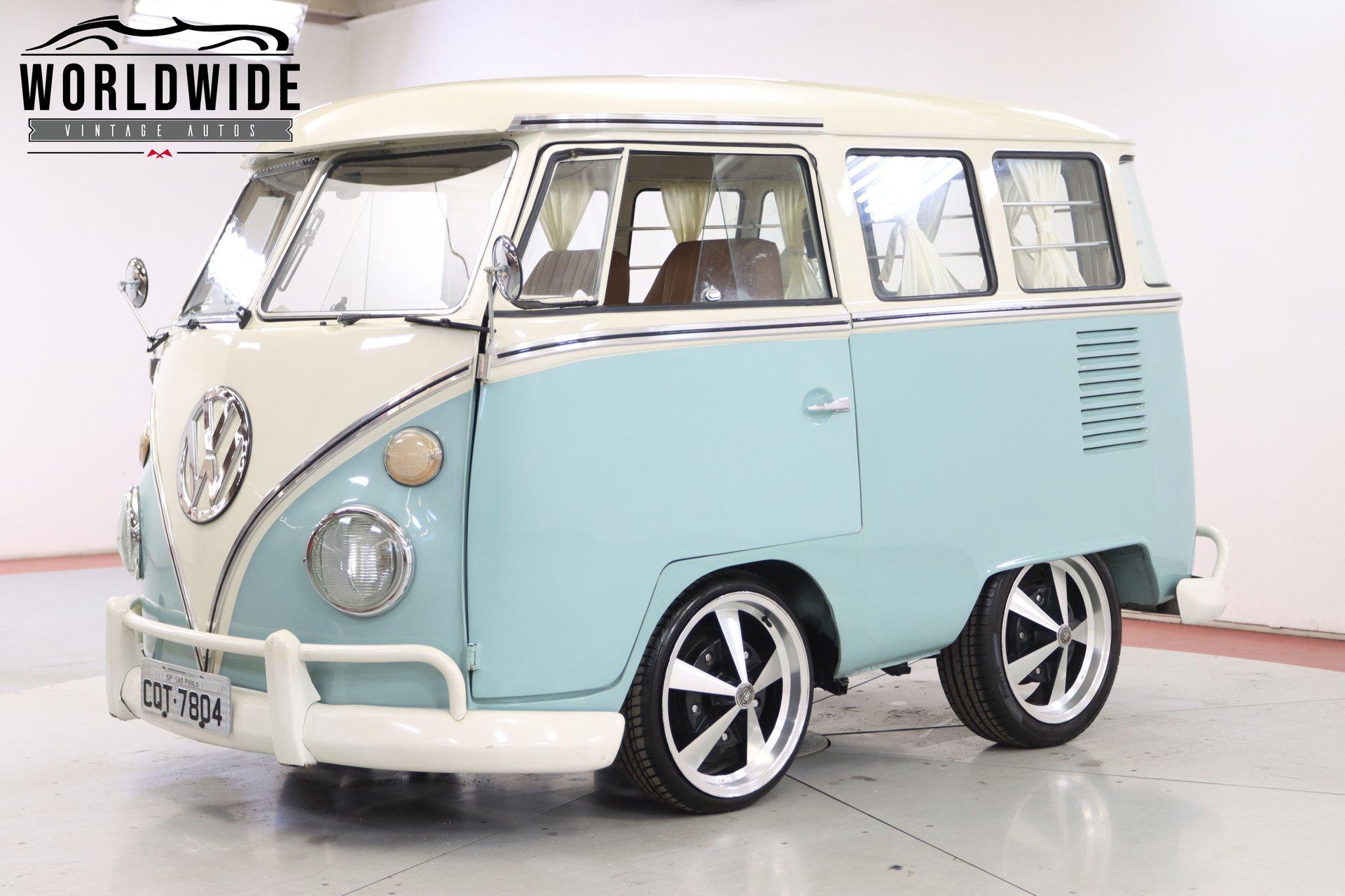 1970 volkswagen kombi minibus