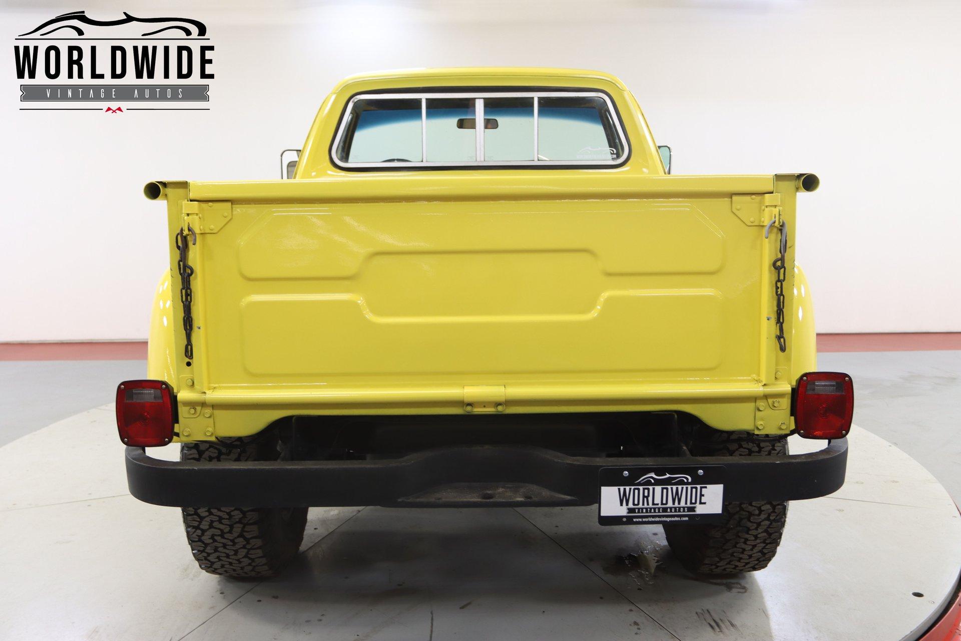 1972 Dodge D100