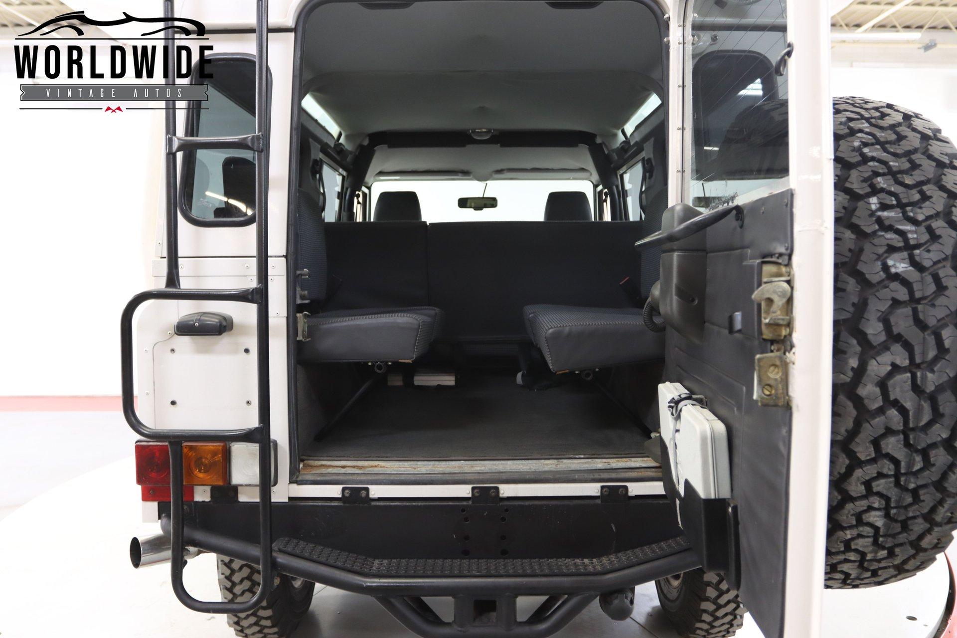 1993 Land Rover Defender 110 NAS