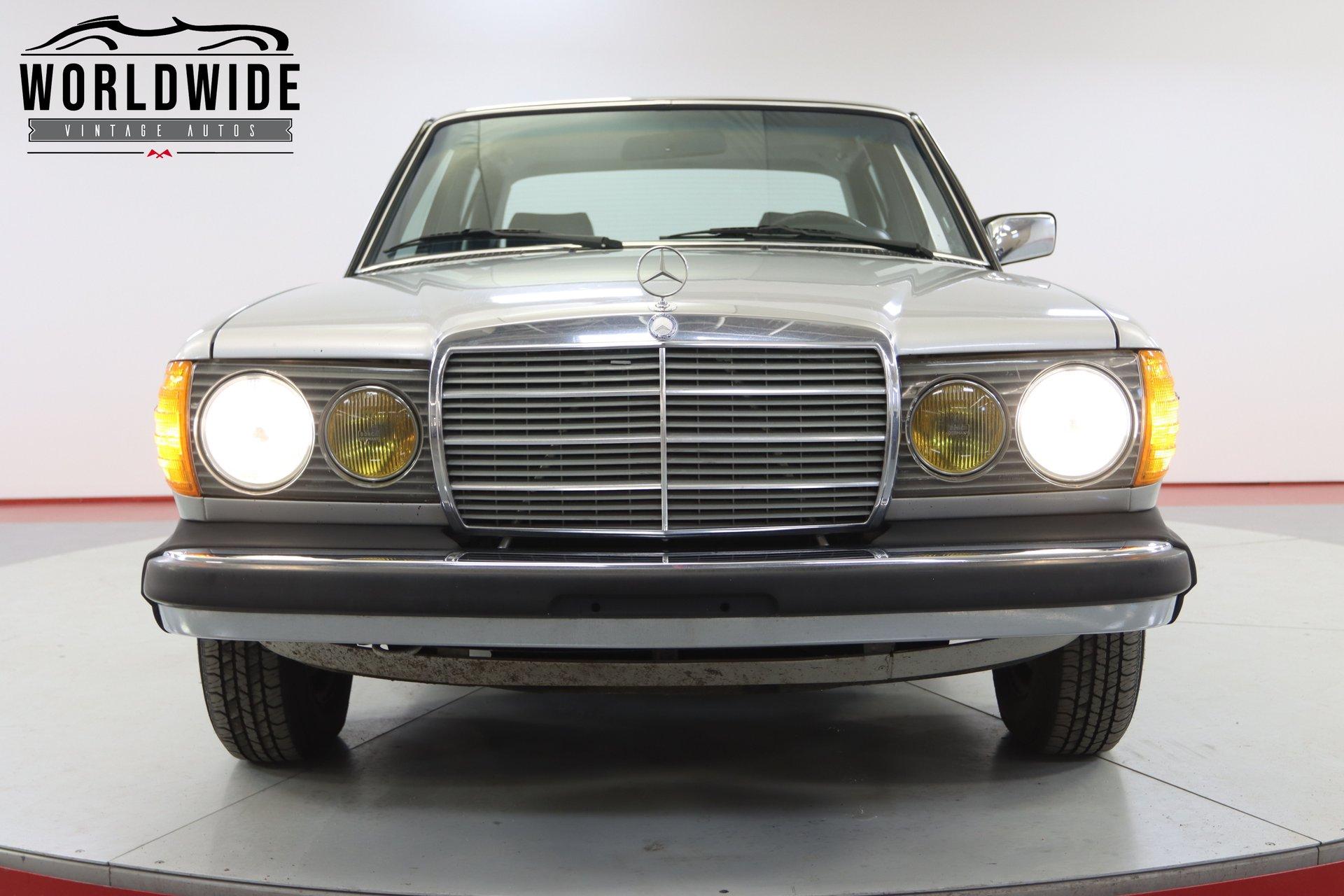 1981 Mercedes-Benz 240D