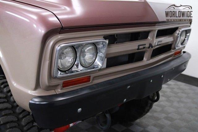 1967 GMC 4X4
