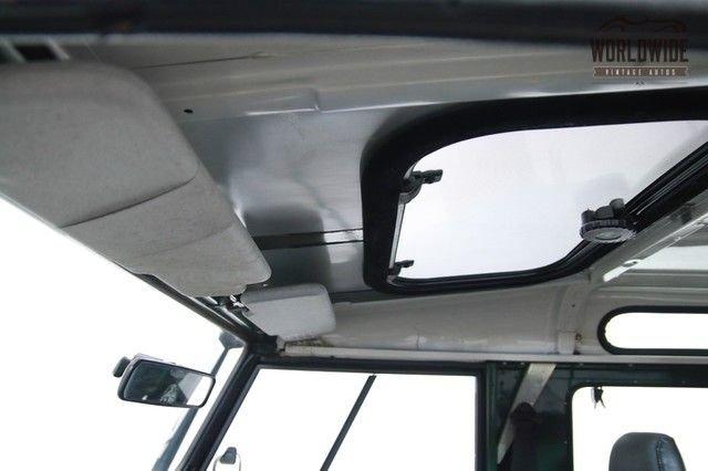 1994 Land Rover Defender D90